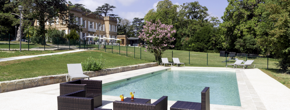 Le Domaine de Montjoie in Toulouse, France - Outdoor swimming pool, Hotel, Restaurant, Events